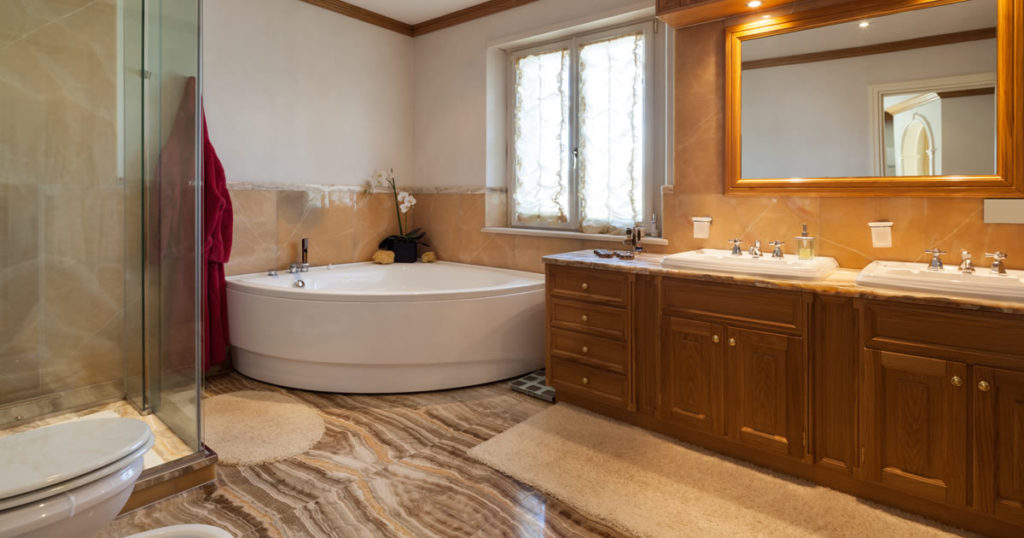 Great bathroom restoration ideas for your michigan home for Great bathroom ideas