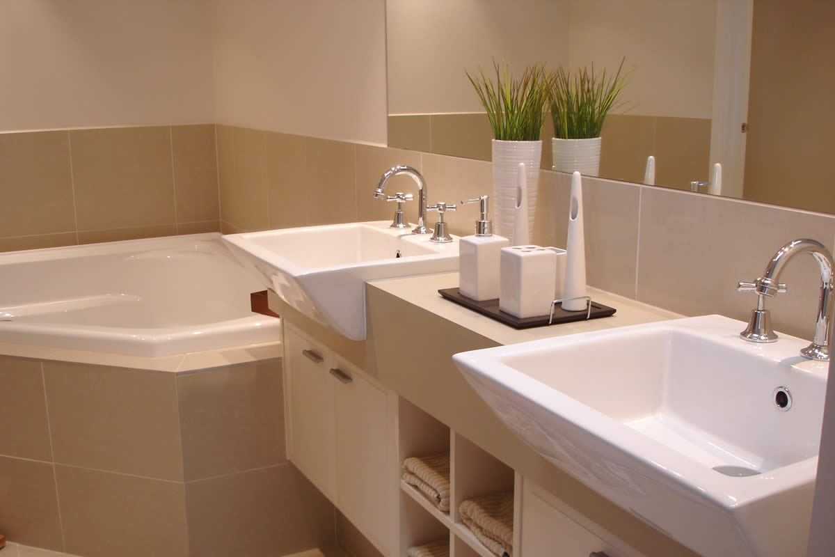 5 bathroom remodel ideas that can completely change your for Bathroom remodel gallery