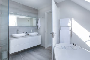 Common Mistakes Homeowners Make When Remodeling a Bathroom in Downriver Michigan